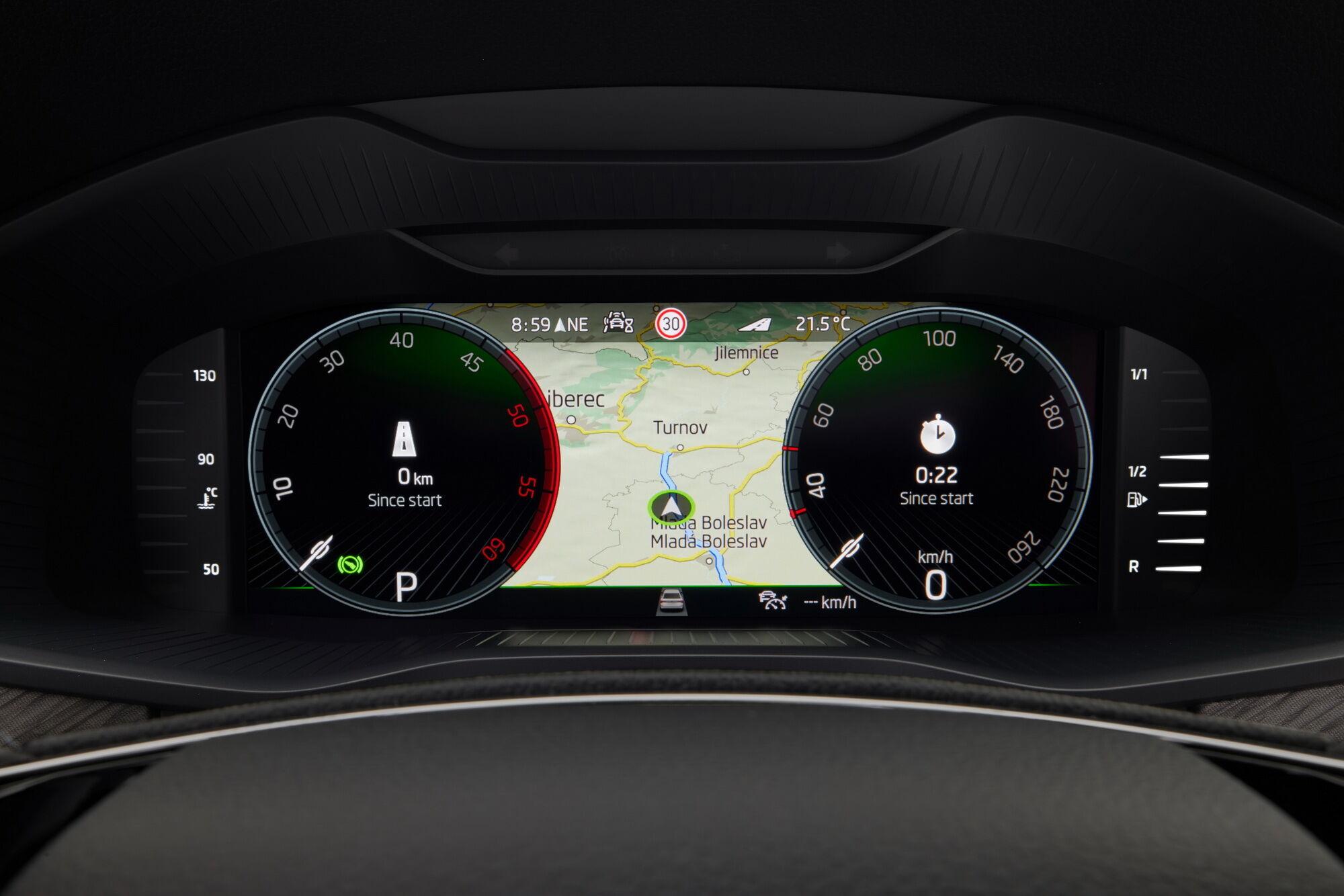 Цифровая панель приборов с 10,25-дюймовым дисплеем и четырьмя вариантами оформления доступна в качестве опции