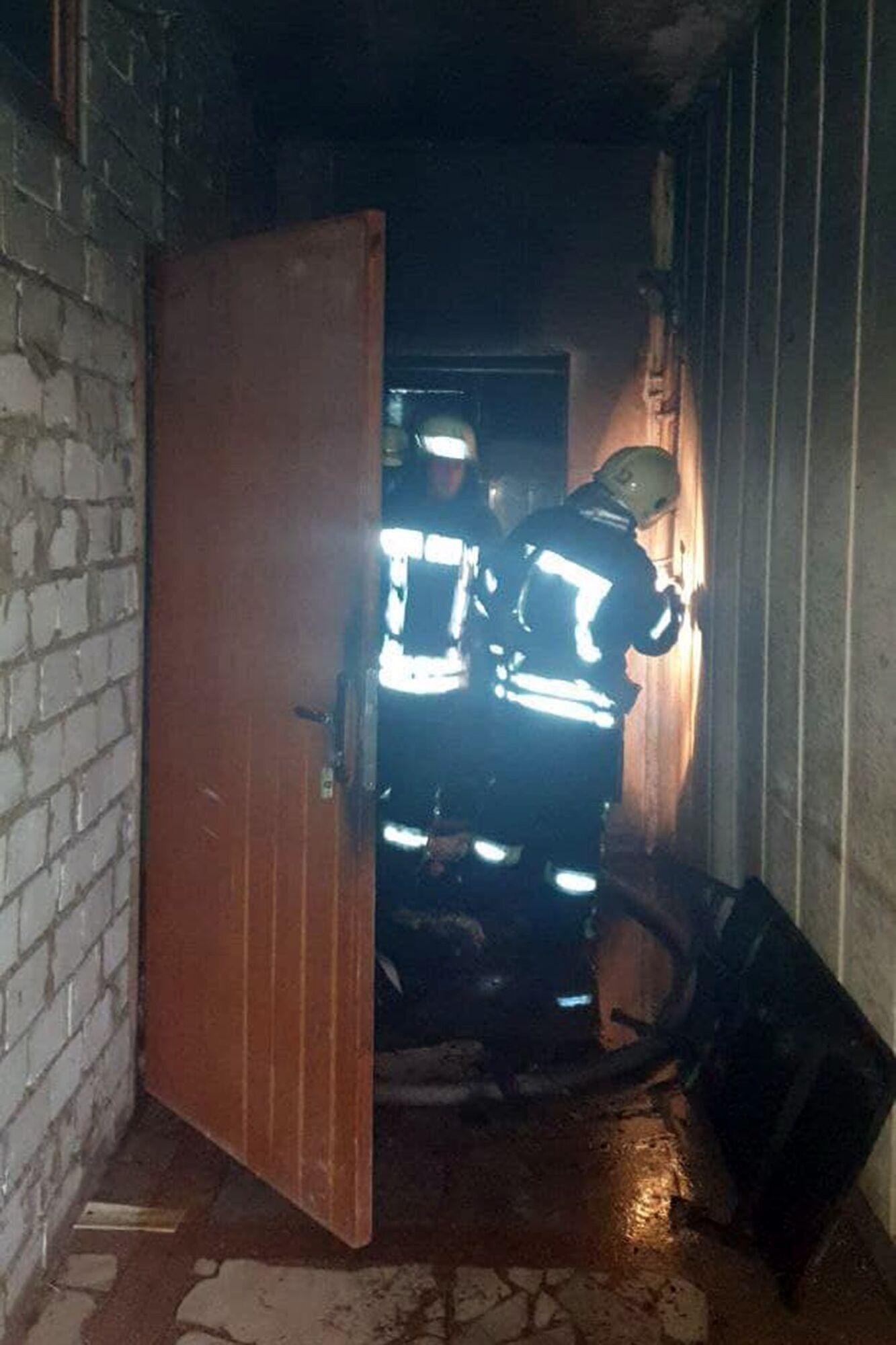 Спасатели затушили огонь в течение 20 минут.