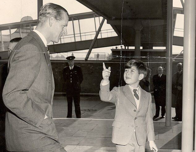 Герцог Единбурзький готується покинути Лондон