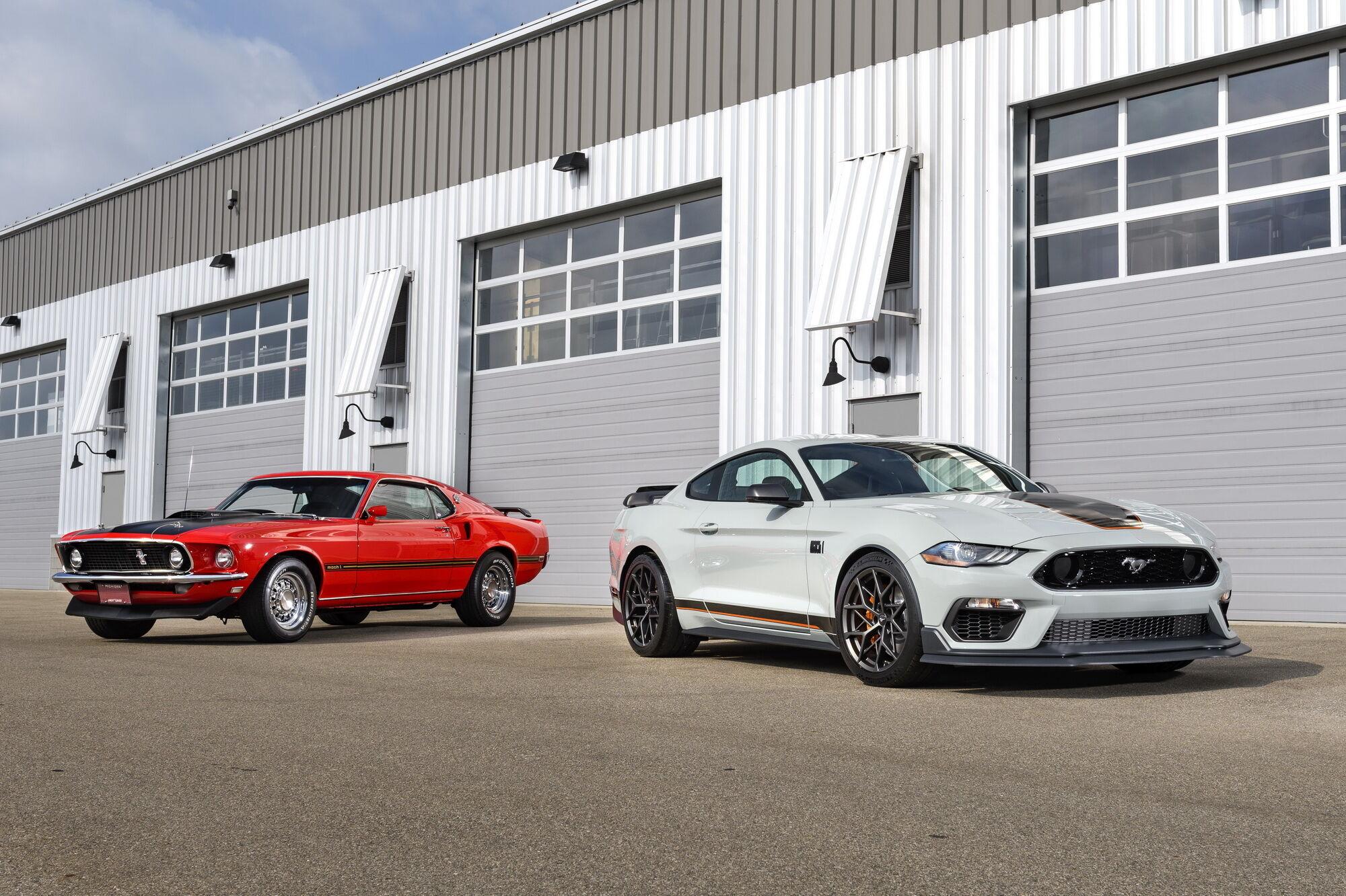 Новый Ford Mustang Mach 1 и его легендарный предок