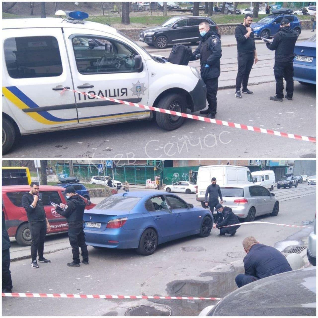 Злочинці розбили скло машини й забрали сумку з грошима.