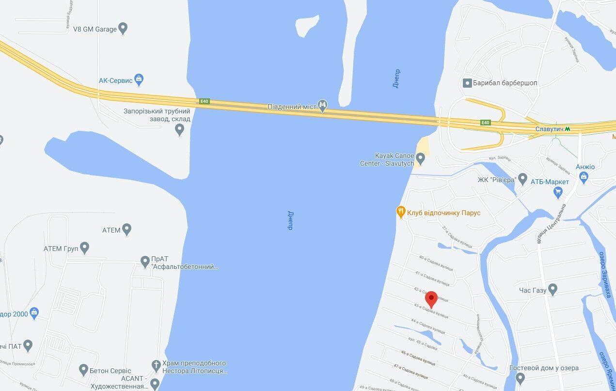 Тіло жінки помітили у воді неподалік від Південного мосту.
