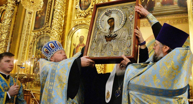 Акафист Пресвятой Богородице в храмах совершается в канун субботы