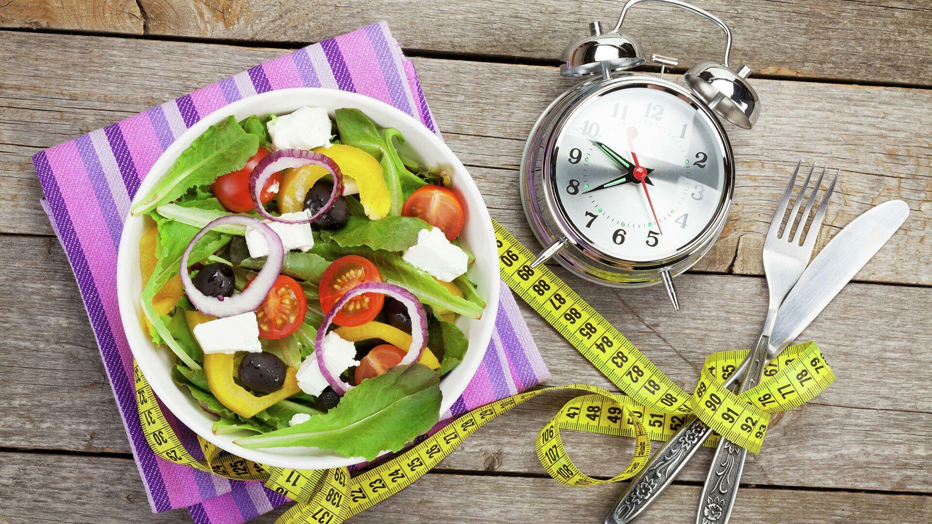 Экстремальное голодание или какое-то очень однообразное питание может привести к срыву, проблемами с печенью и желчным пузырем