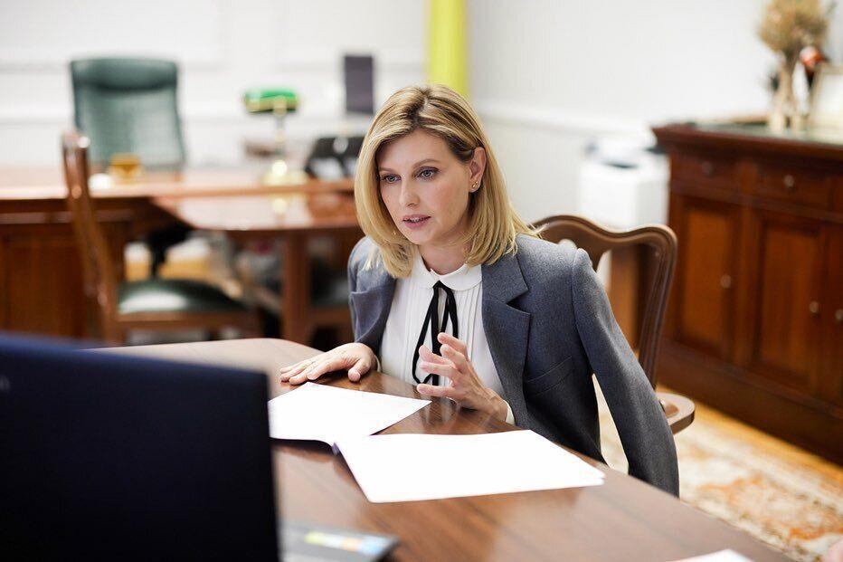 Елена Зеленская в стильном образе