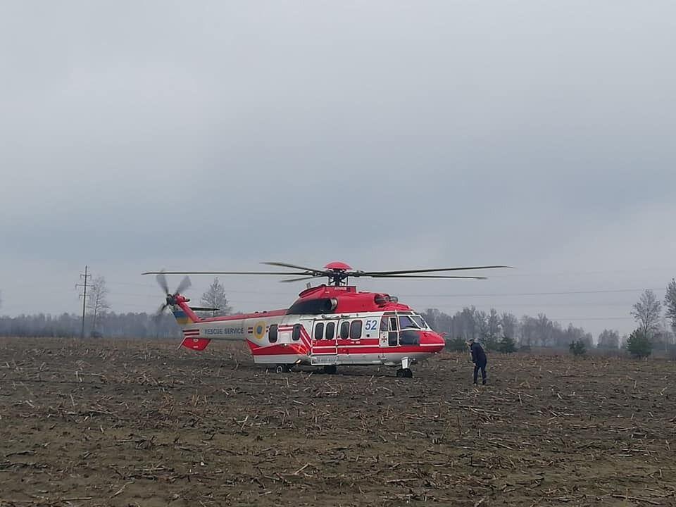 К поискам привлекли вертолет.