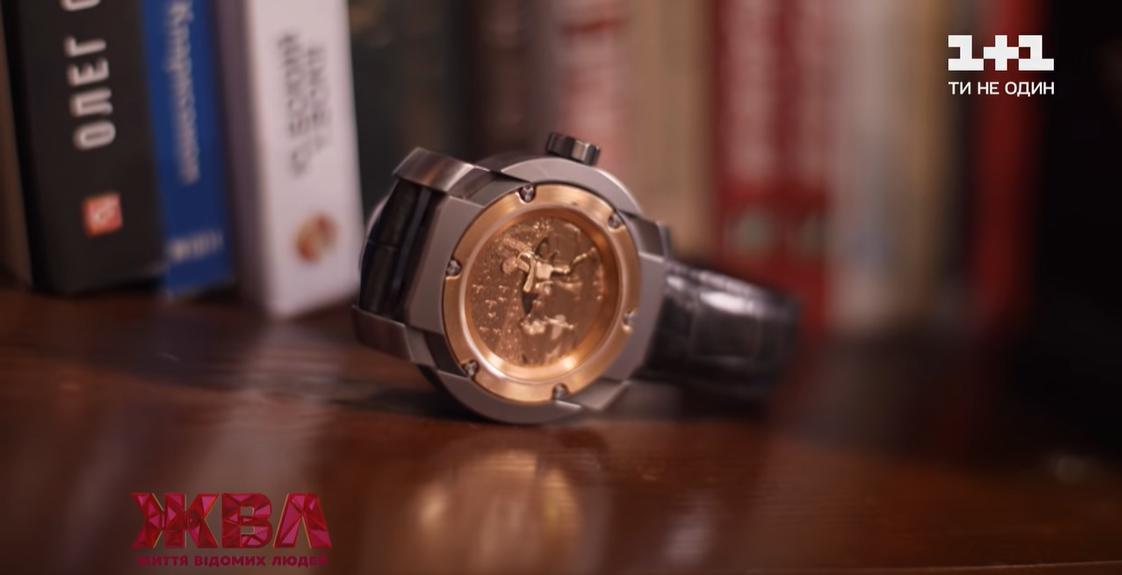 Самой важной и дорогой вещью Корогодского являются часы за 50 тысяч евро