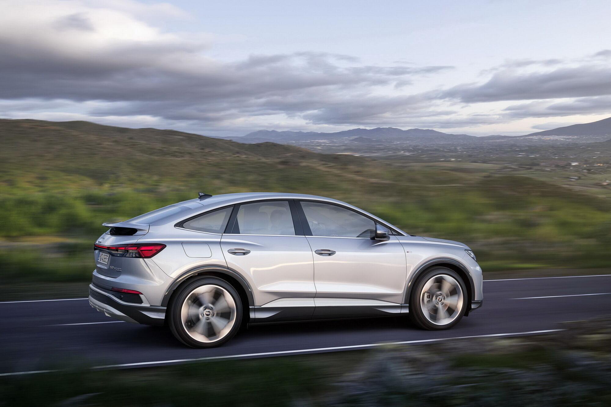 За счет более обтекаемого кузова Q4 Sportback e-tron имеет запас хода на 8-10 км больше
