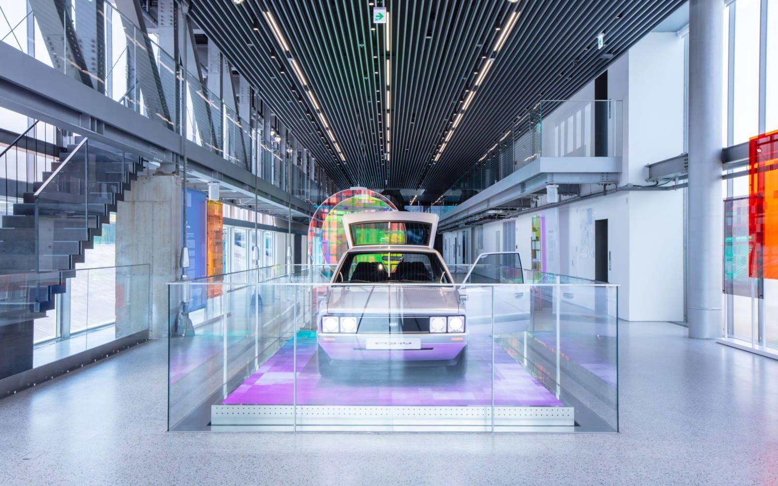Рестомод выставили в Hyundai Motorstudio в Пусане, где он будет демонстрироваться в рамках экспозиции Reflections in Motion
