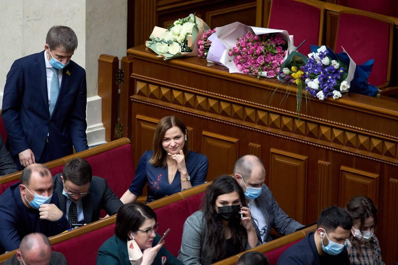 Пуртова відзначила день народження в Раді.