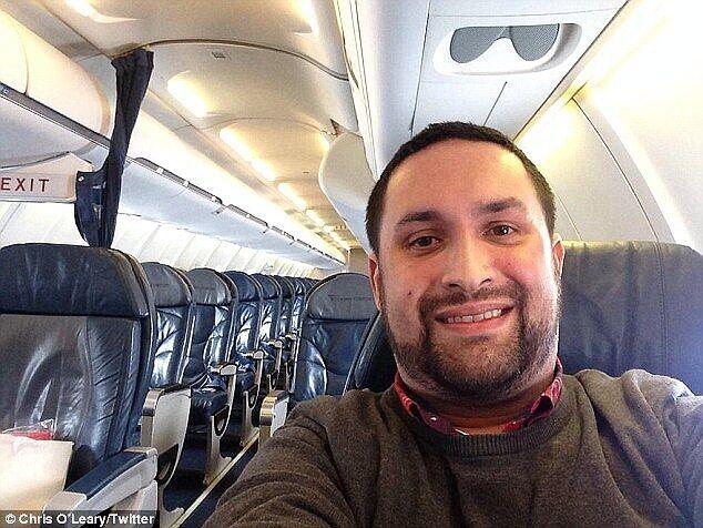 Двоє пасажирів летіли самі на борту літака