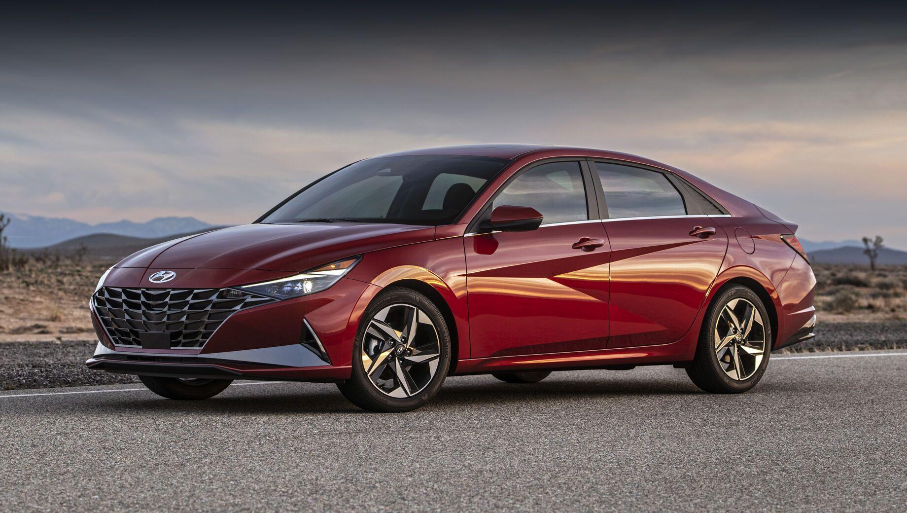 Hyundai Elantra стоит 531 000 грн