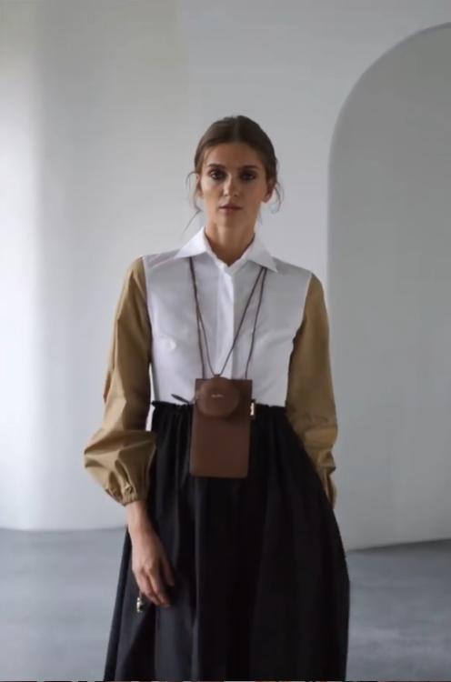 Модное платье весны 2021 – модель А-силуэта