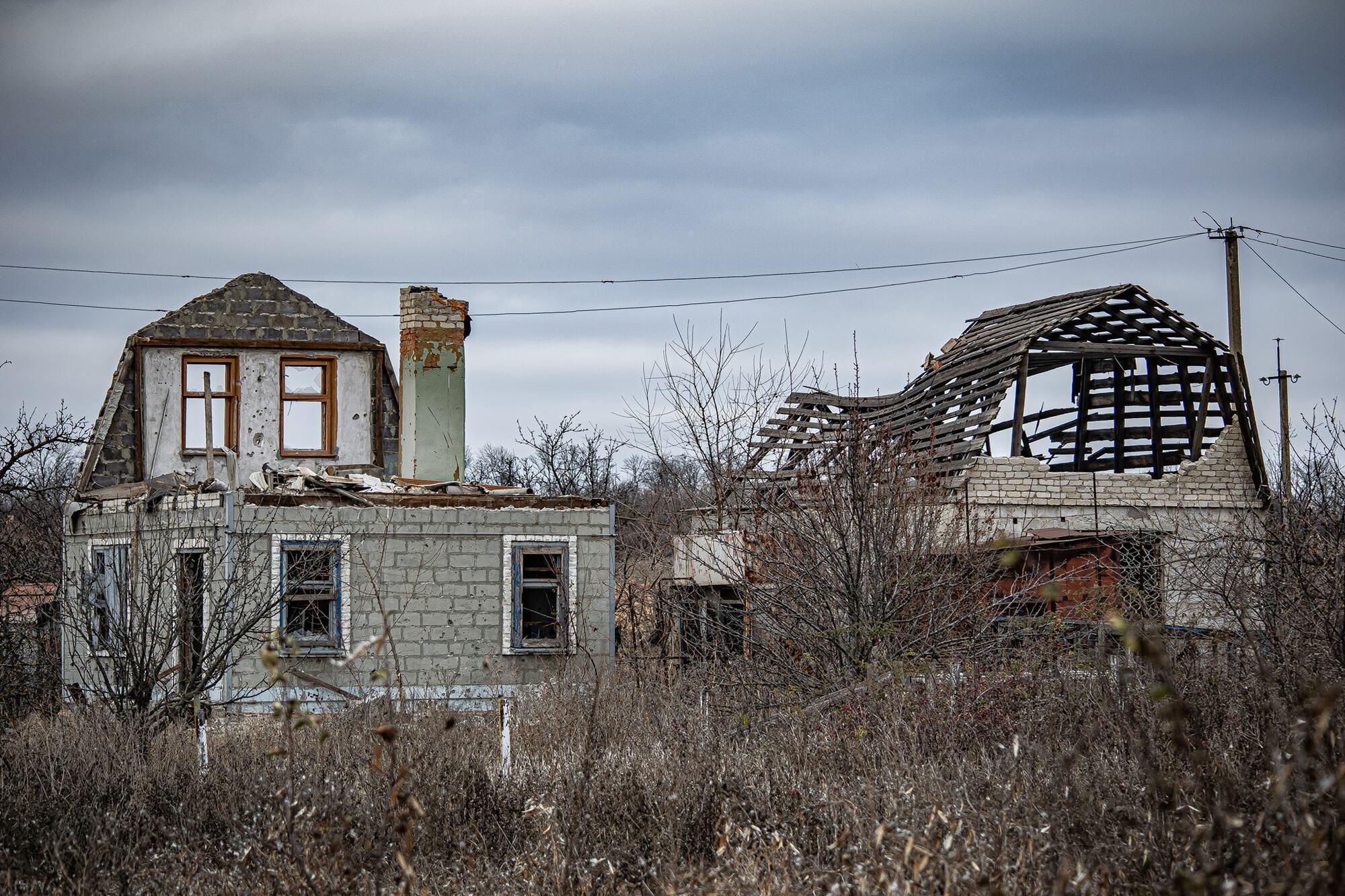 Будинки у Водяному почали руйнуватися через велику кількість обстрілів