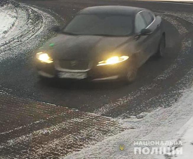 "Шахрай продав машини на ""розбирання""."
