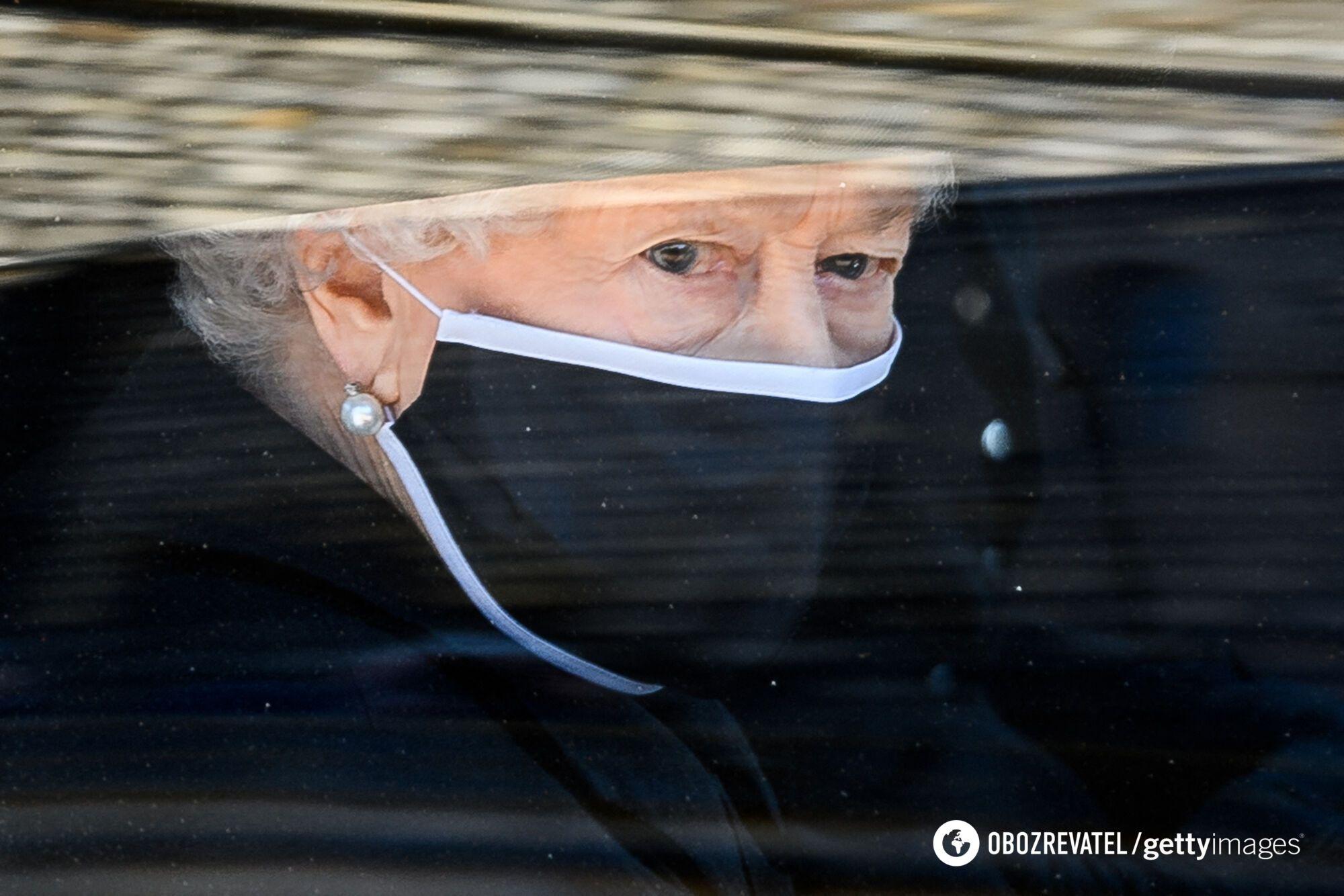 Елизавета II на похоронах мужа принца Филиппа