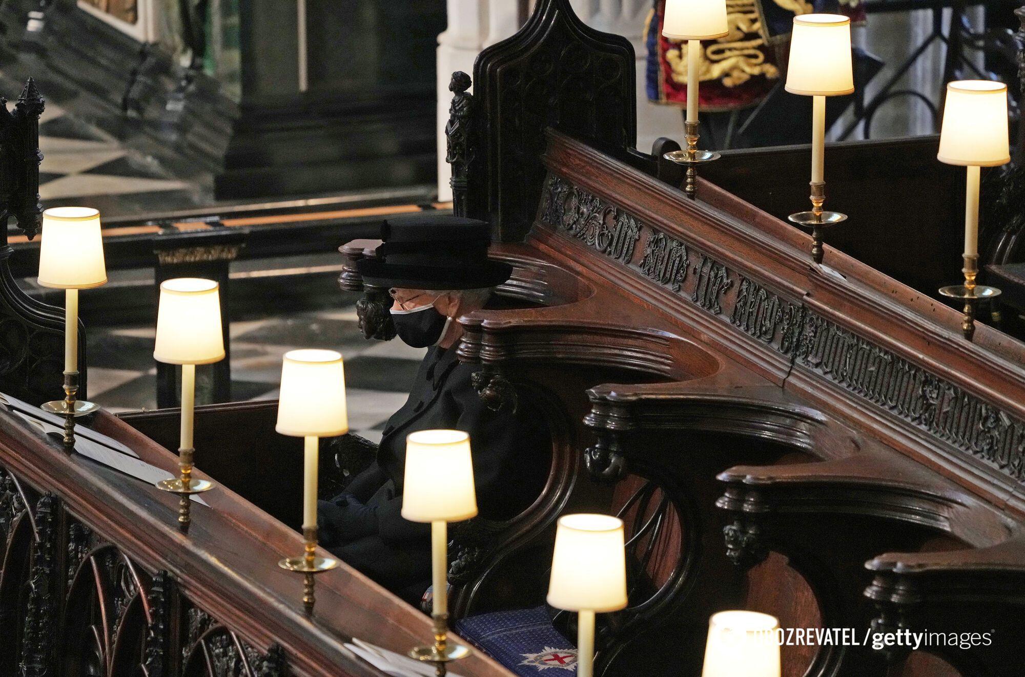 Королева Елизавета II на похоронах принца Филиппа