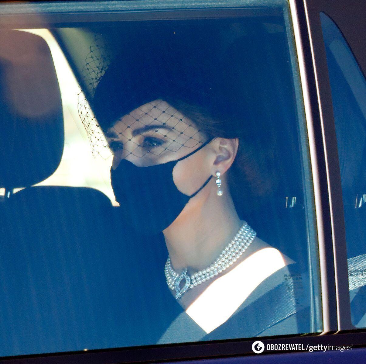 Кейт Миддлтон в жемчужном колье Елизаветы II