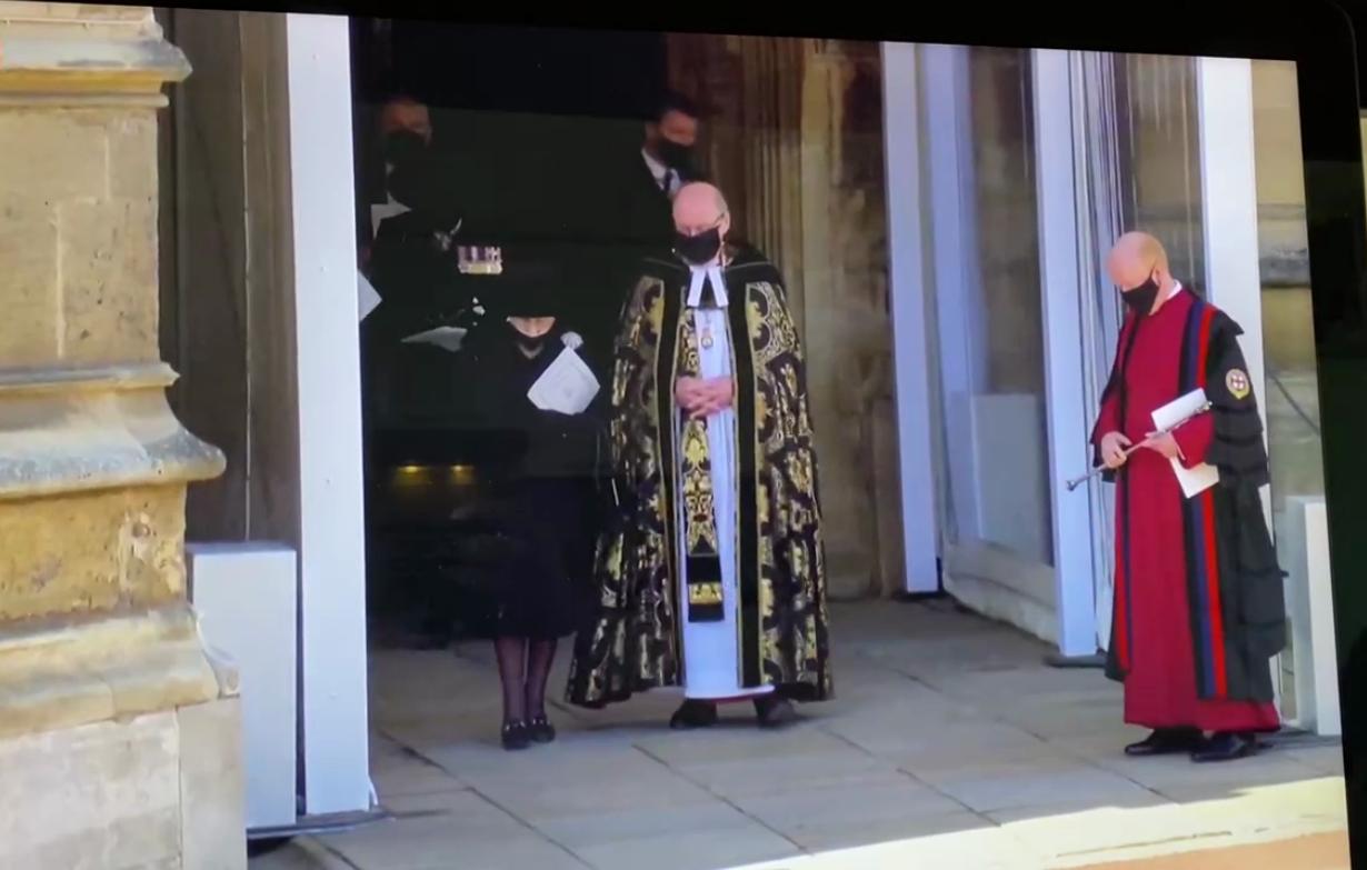 Єлизавета II після похорону принца Філіпа