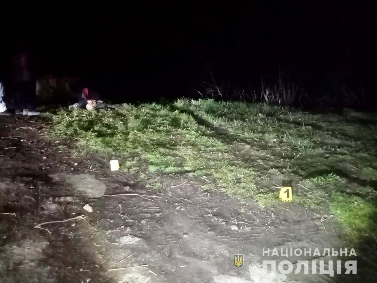 На Черкащині авто з'їхало в ставок: водій та пасажири загинули. Фото