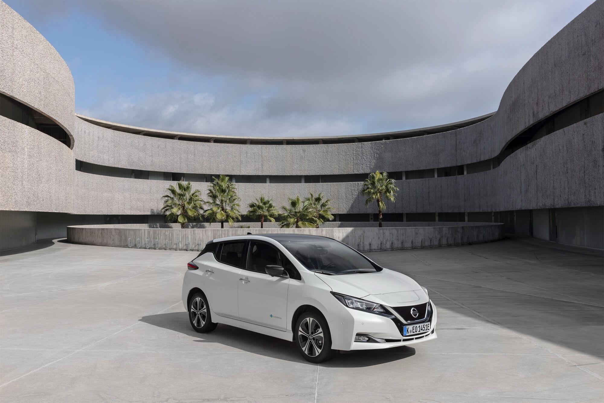 Nissan Leaf начнут продавать в Украине