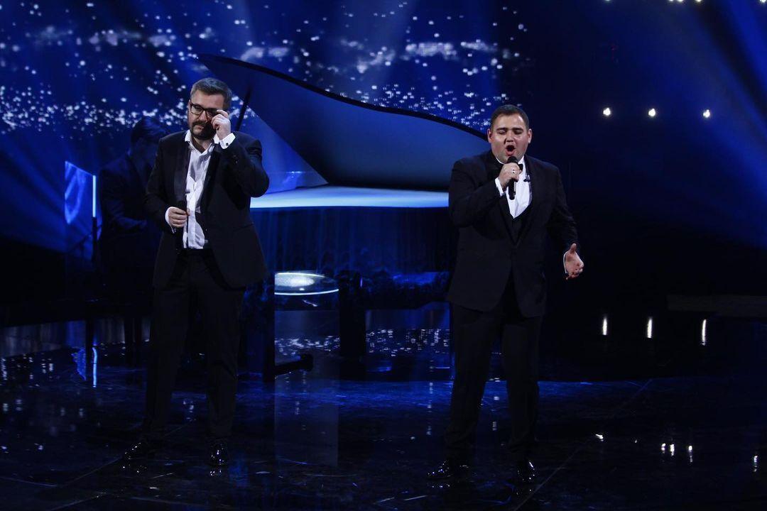Следующим на сцену вышел участник Сергей Нейчев и певец Александр Пономарев