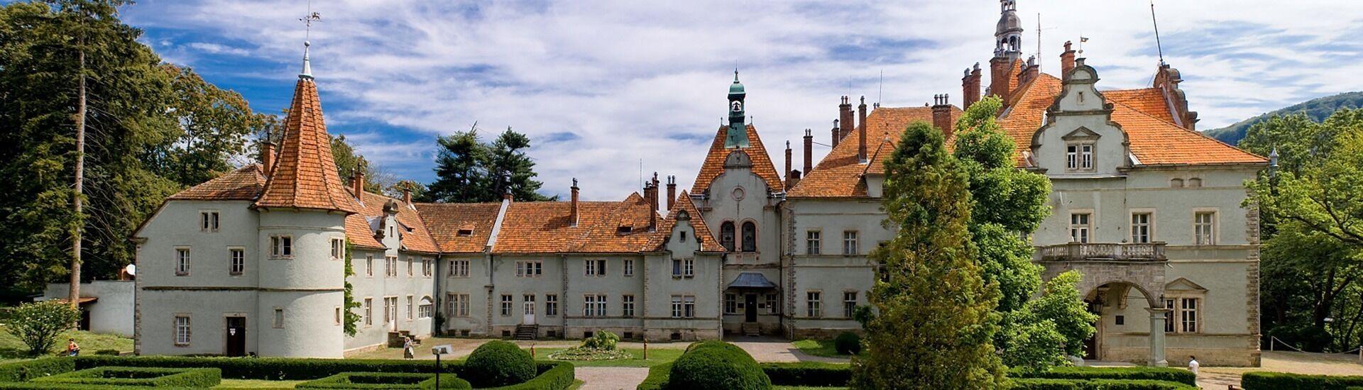 Замок Берегвар — романтичная резиденция графов Шёнборнов.