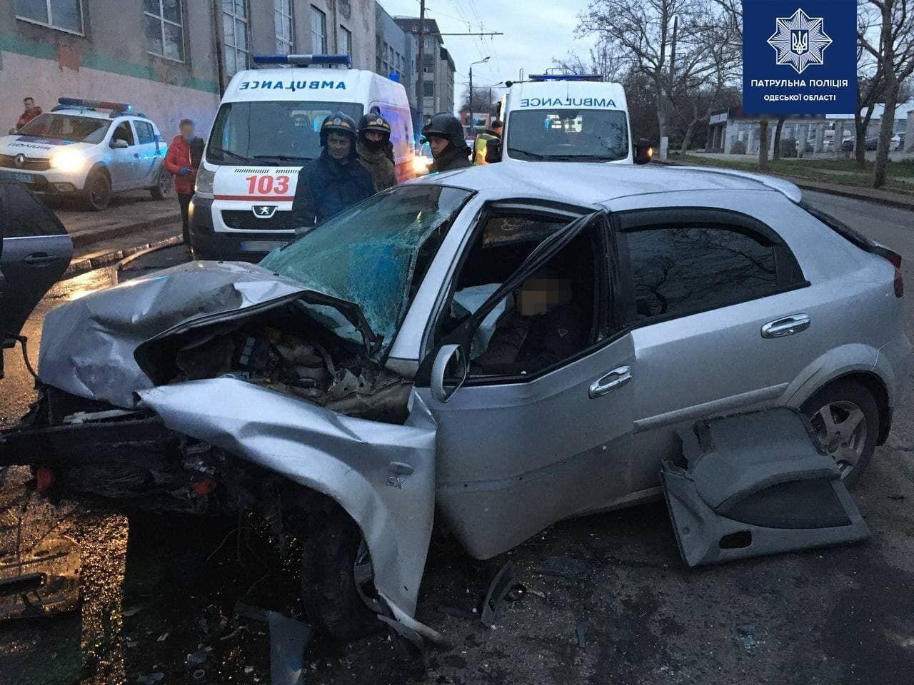 Водитель Chevrolet Lacetti погиб на месте аварии
