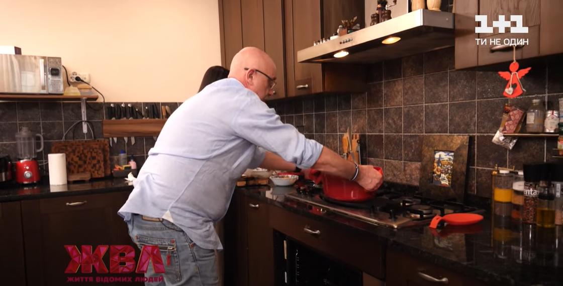 Как выглядит кухня Резникова