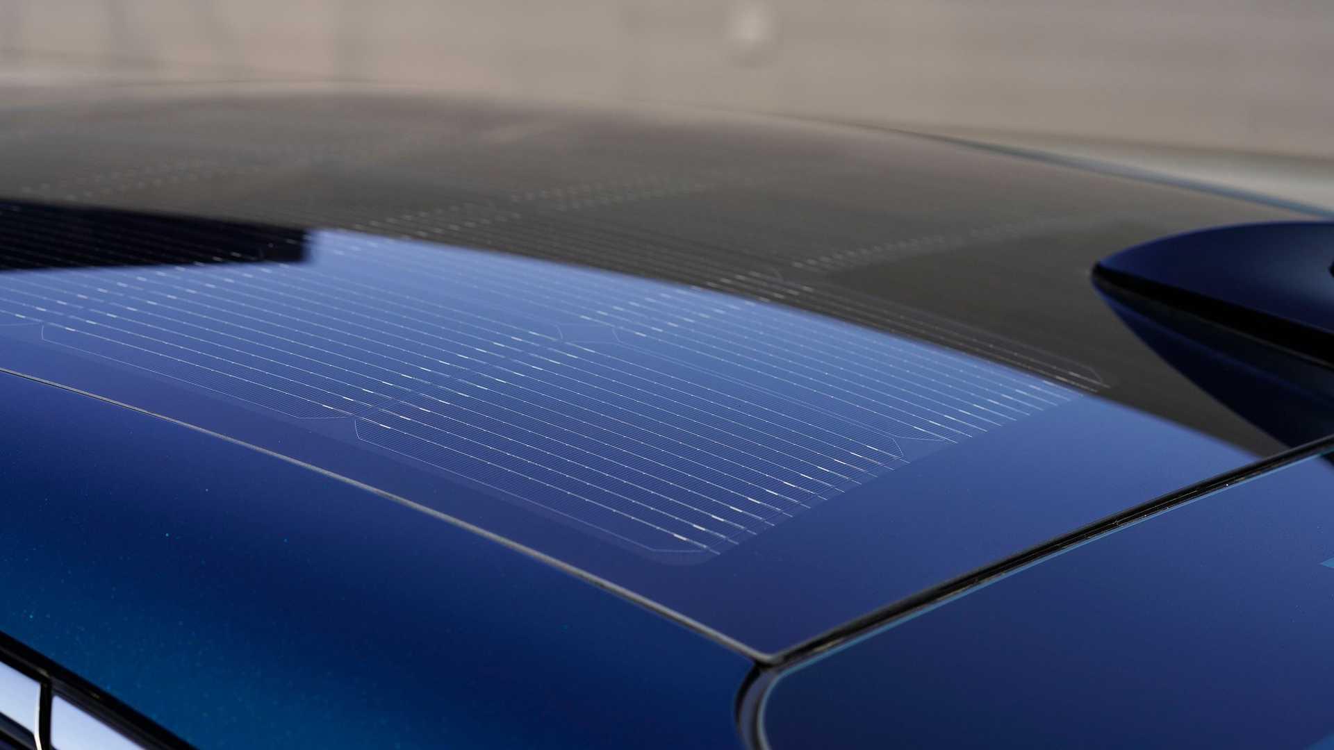 Сонячні панелі, інтегровані в дах