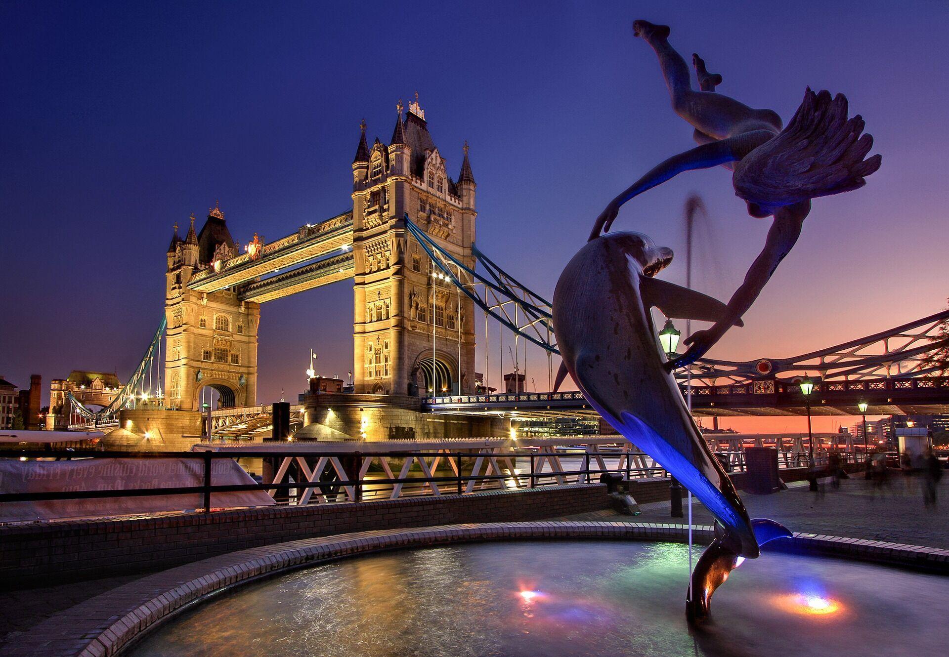 У Лондоні вважається нормальним робити макіяж і фарбувати нігті в громадському транспорті