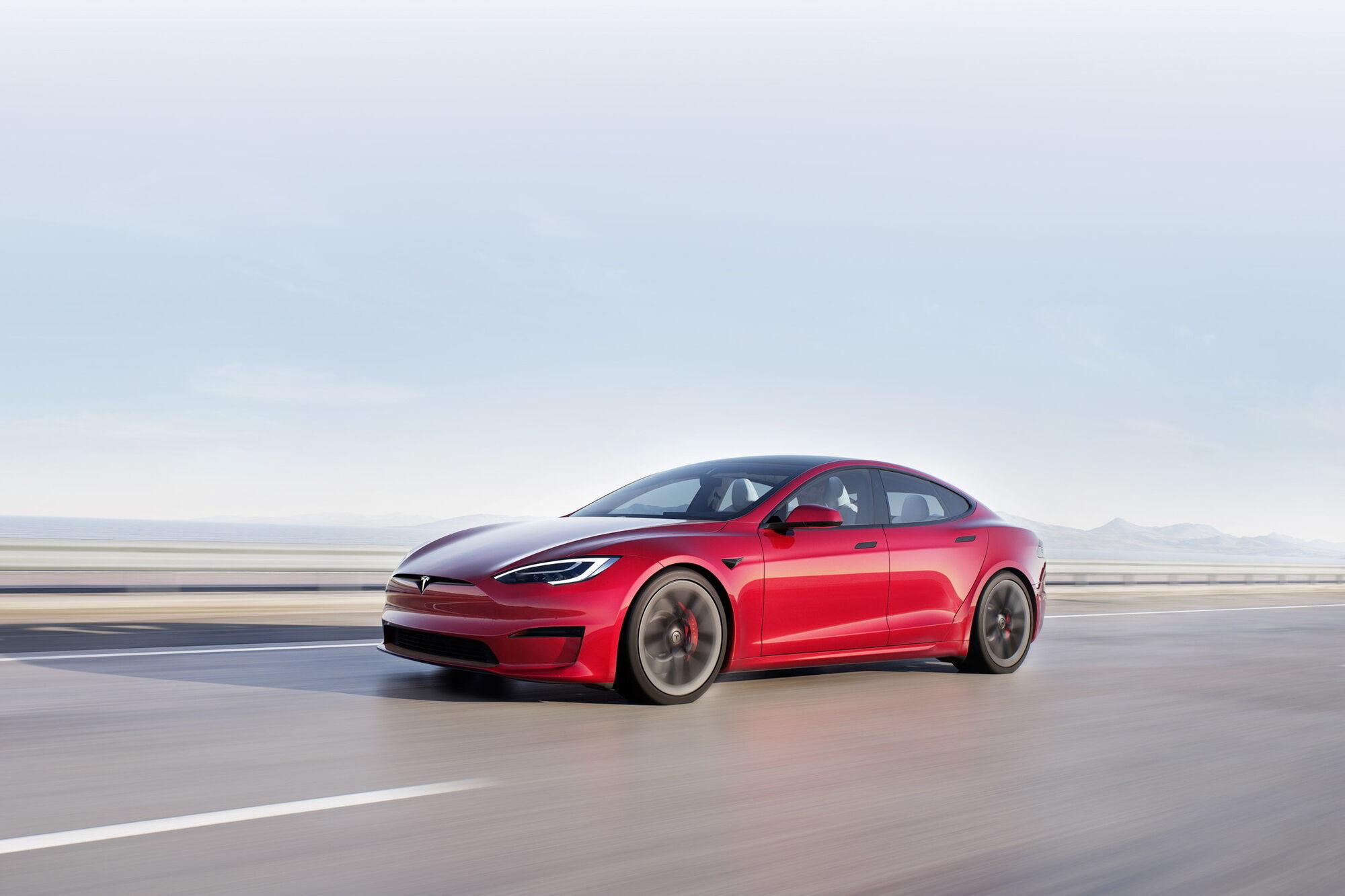 Автопілоти Tesla потрапили під розслідування NHTSA ще минулого місяця