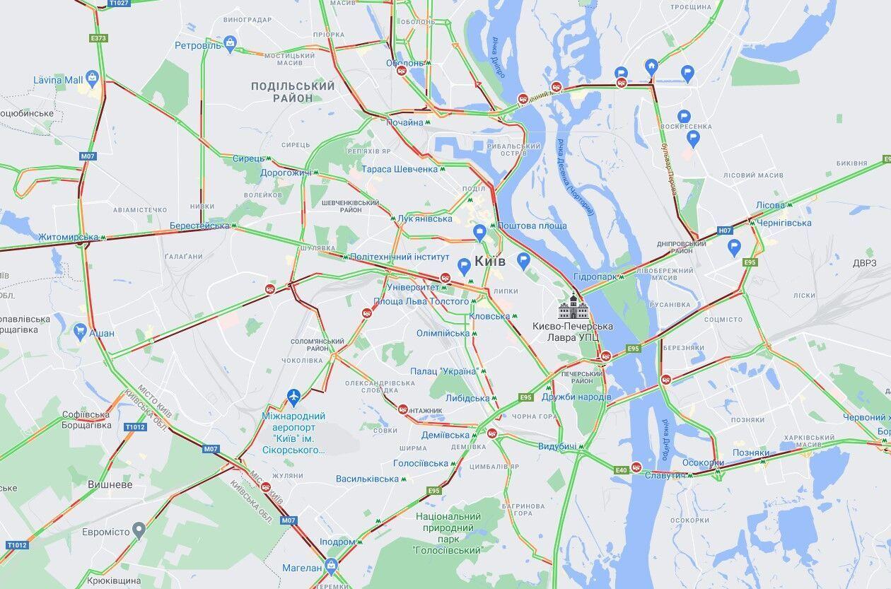 В Киеве ДТП спровоцировали многочисленные пробки.