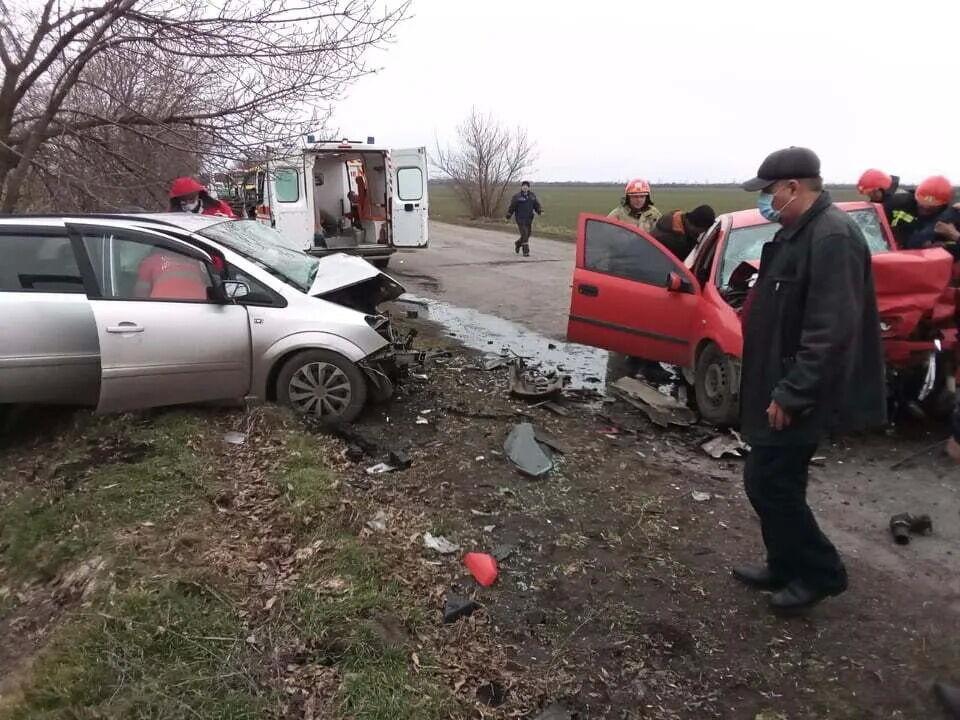 Зіткнулися два автомобілі Opel.