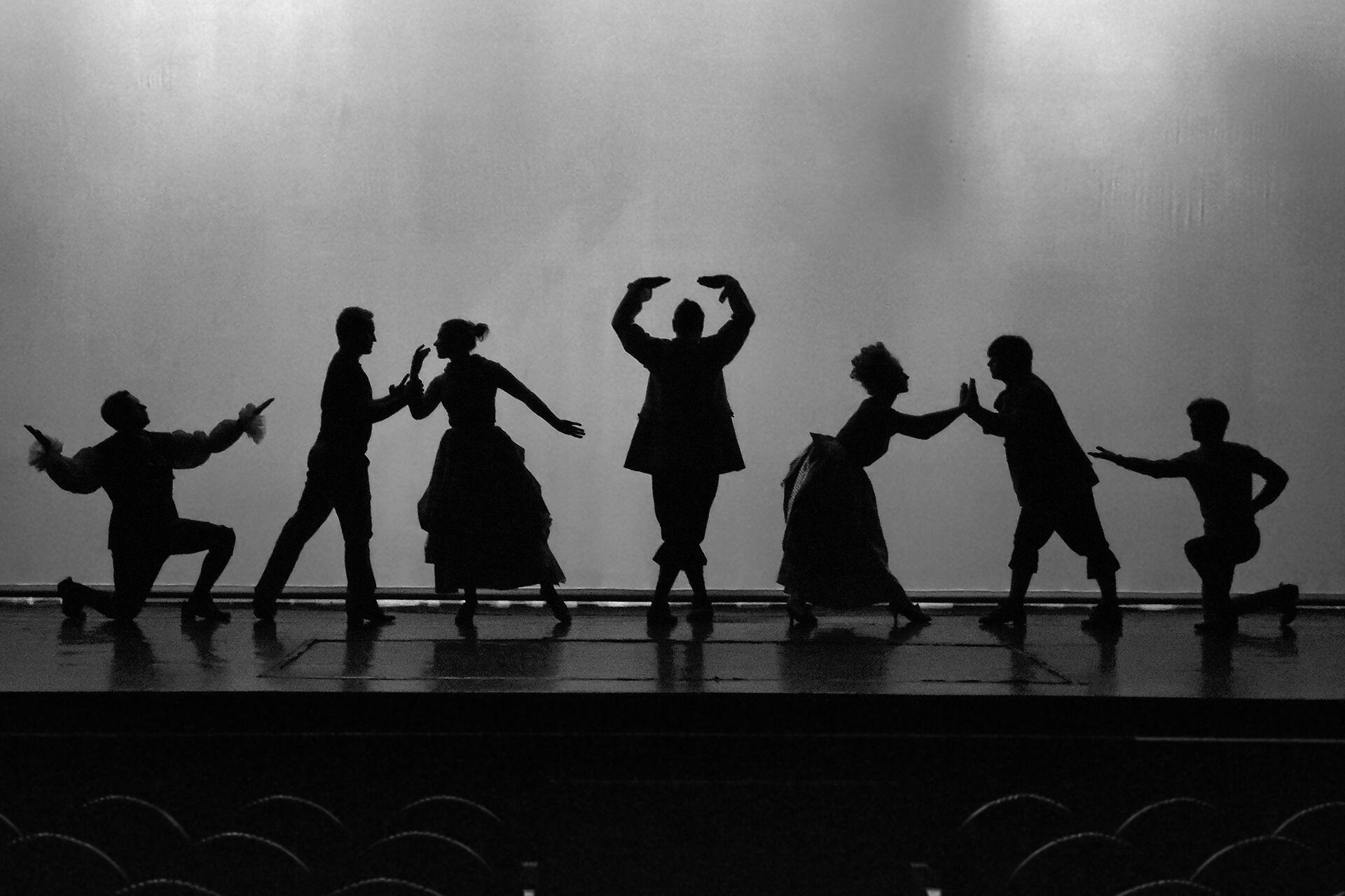 Daniil Migunov. Third place in ART category among amateurs Репетиція музичної паузи, під час зміни декорацій. Вистава Романтики. Театр Колесо.