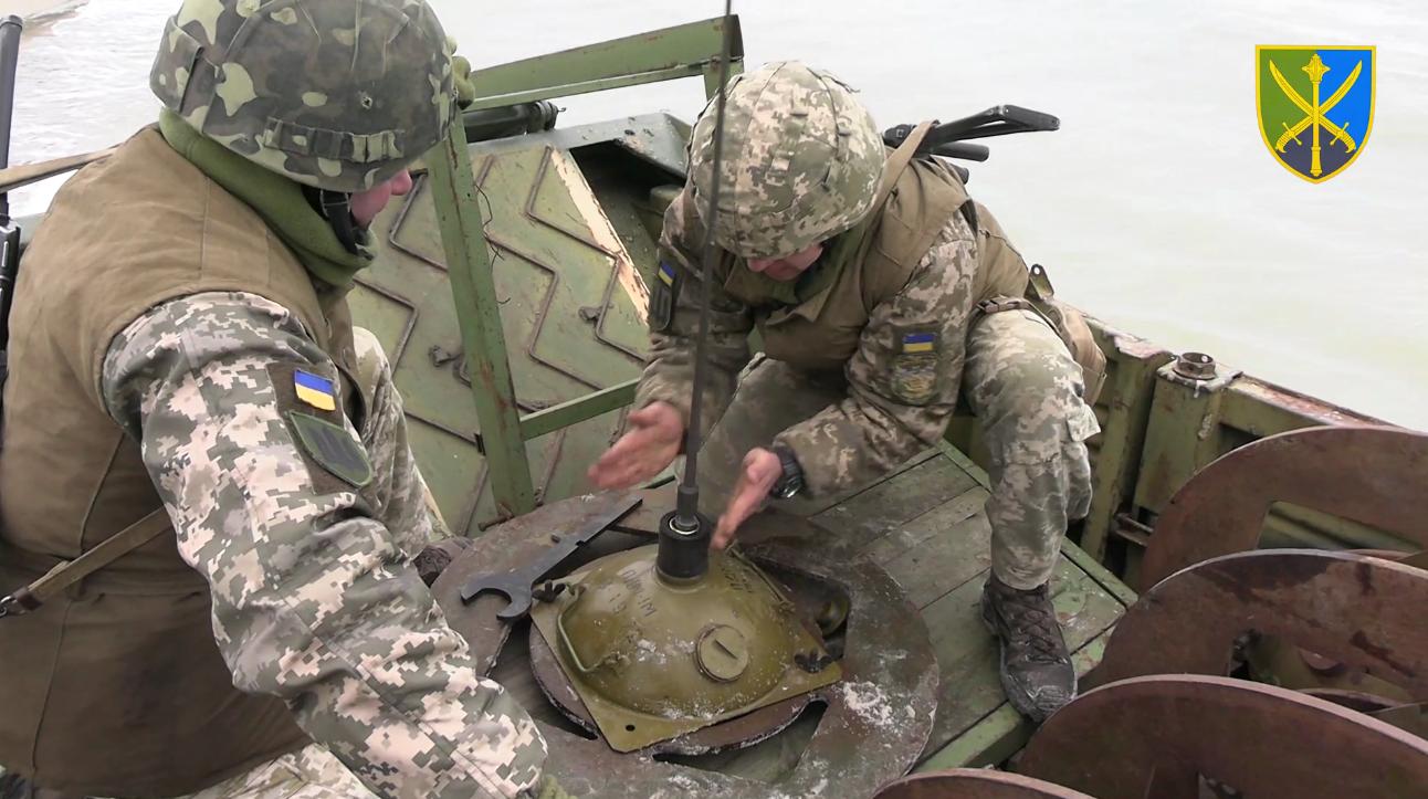 ЗСУ тренувалися облаштовувати мінно-вибухові загородження на узбережжі моря