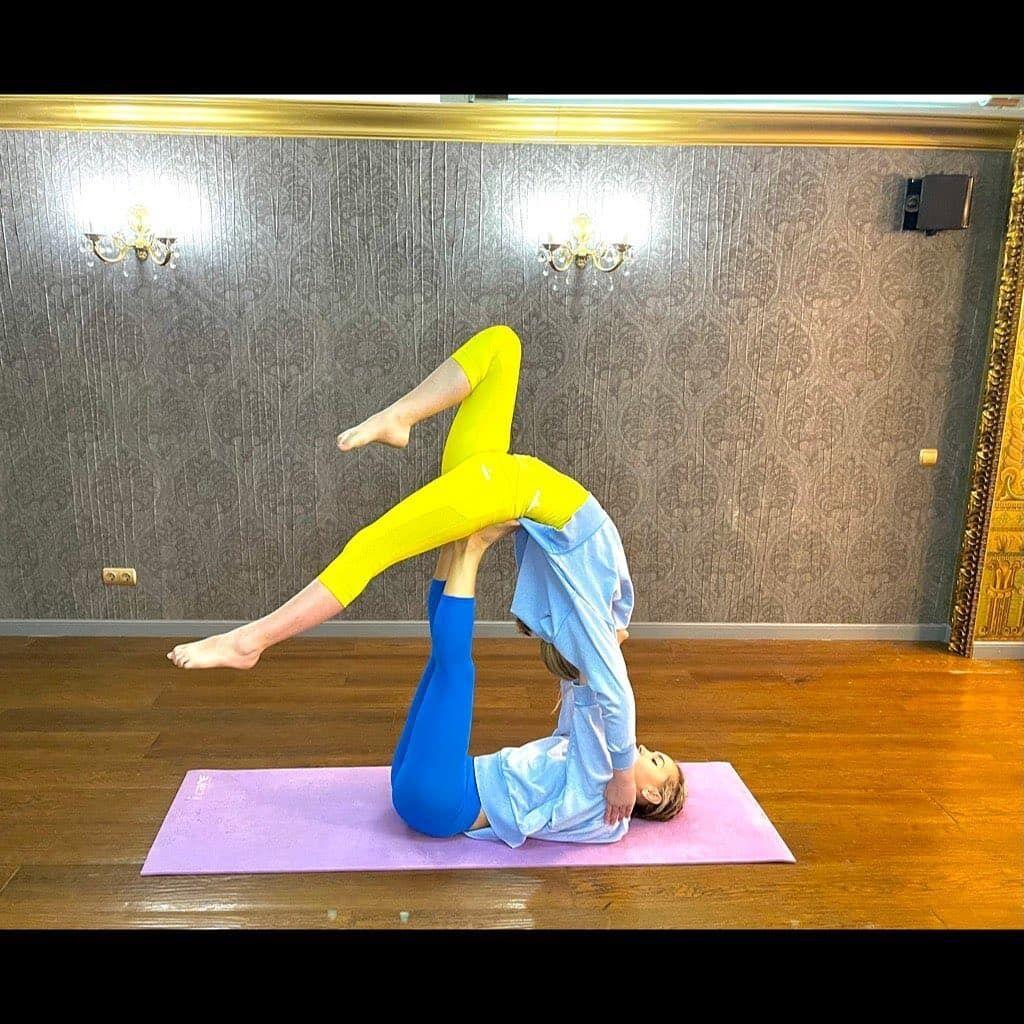 Віталіна Ющенко показала вправу.