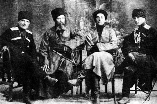 Родные братья Елисеевы с отцом
