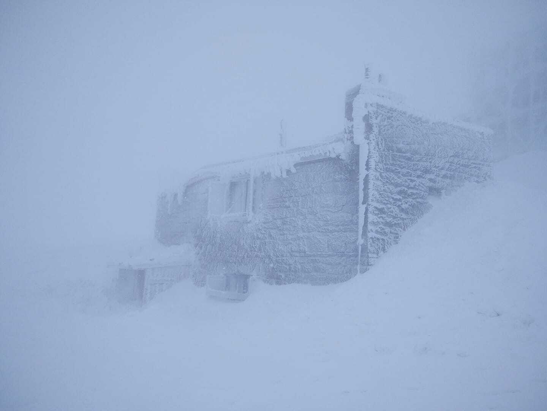 Сніг на горі Піп Іван Чорногорський