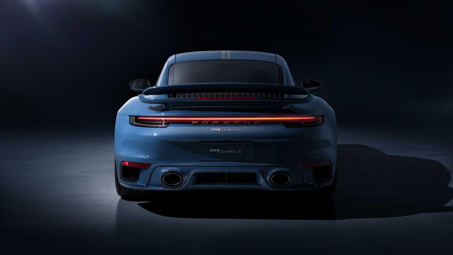 Задняя часть Porsche 911 Turbo S Porsche China 20th Anniversary Edition