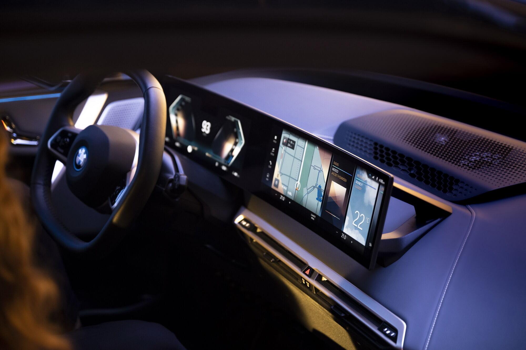 Обидві моделі отримали інноваційну цифрову панель приладів з широким функціоналом