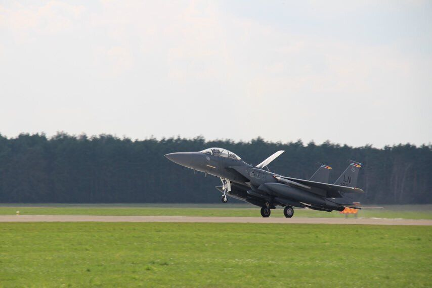 У Польщу прибули десятки американських літаків F-15 і F-16