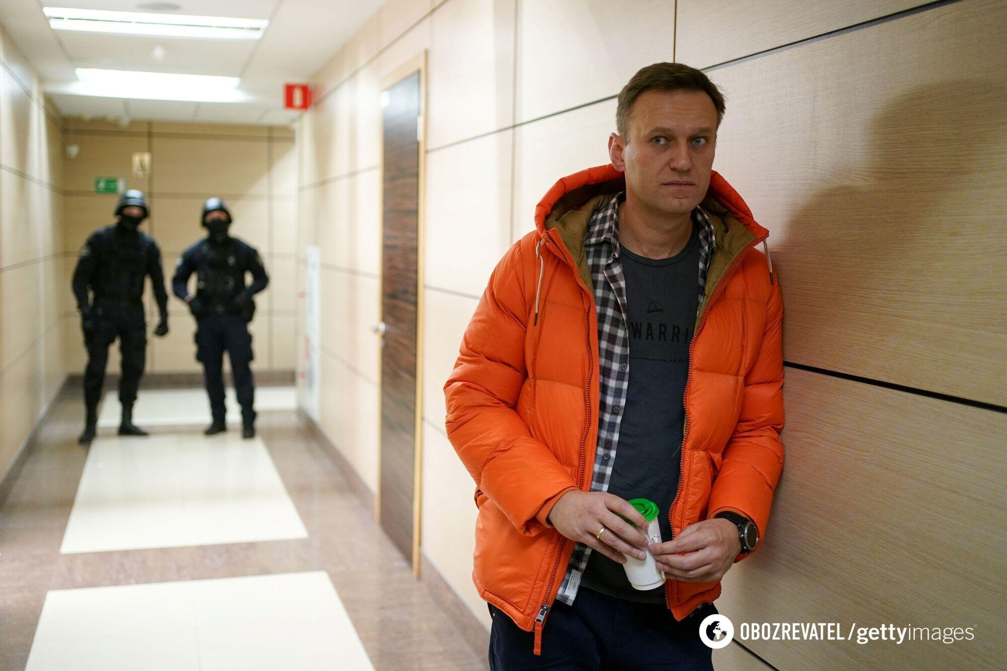 Российский оппозиционер Алексей Навальный находится на 2-недельной голодовке
