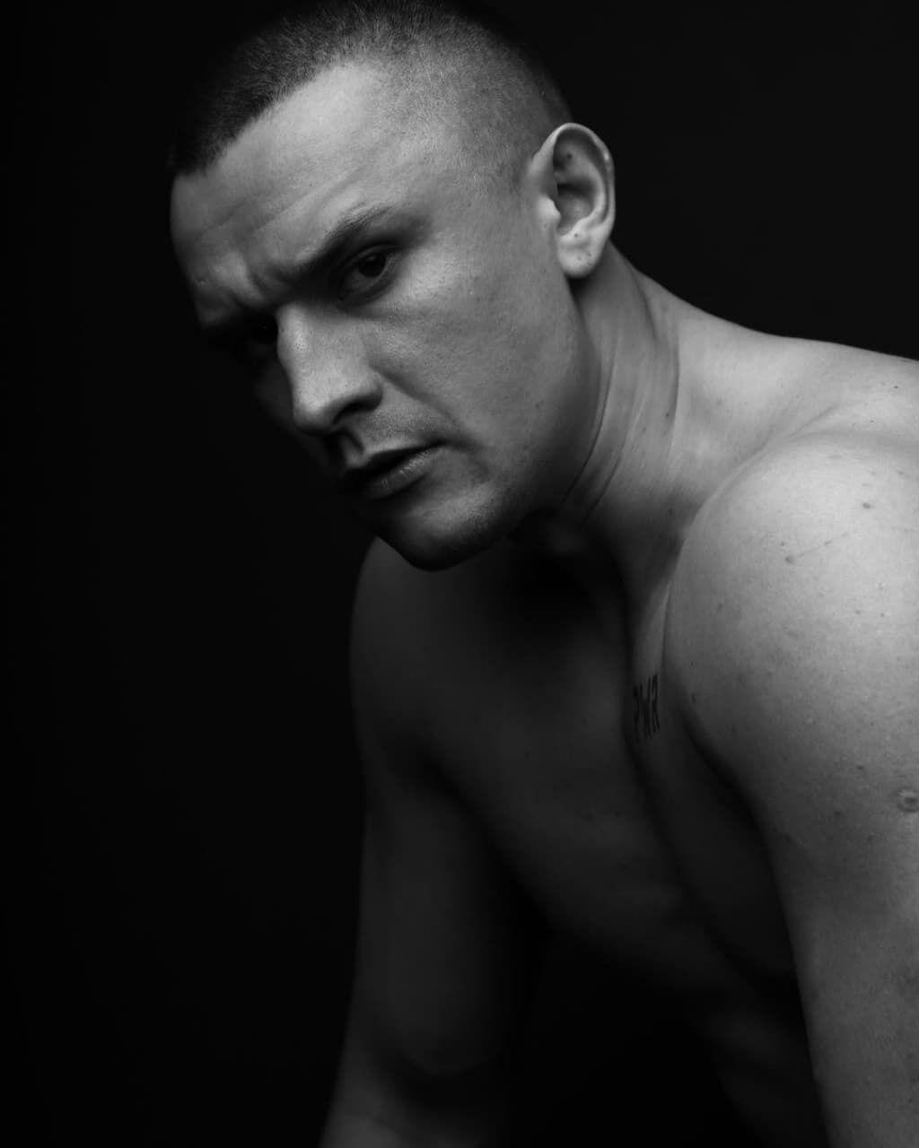 Тарас Цимбалюк снялся в фотосессии.