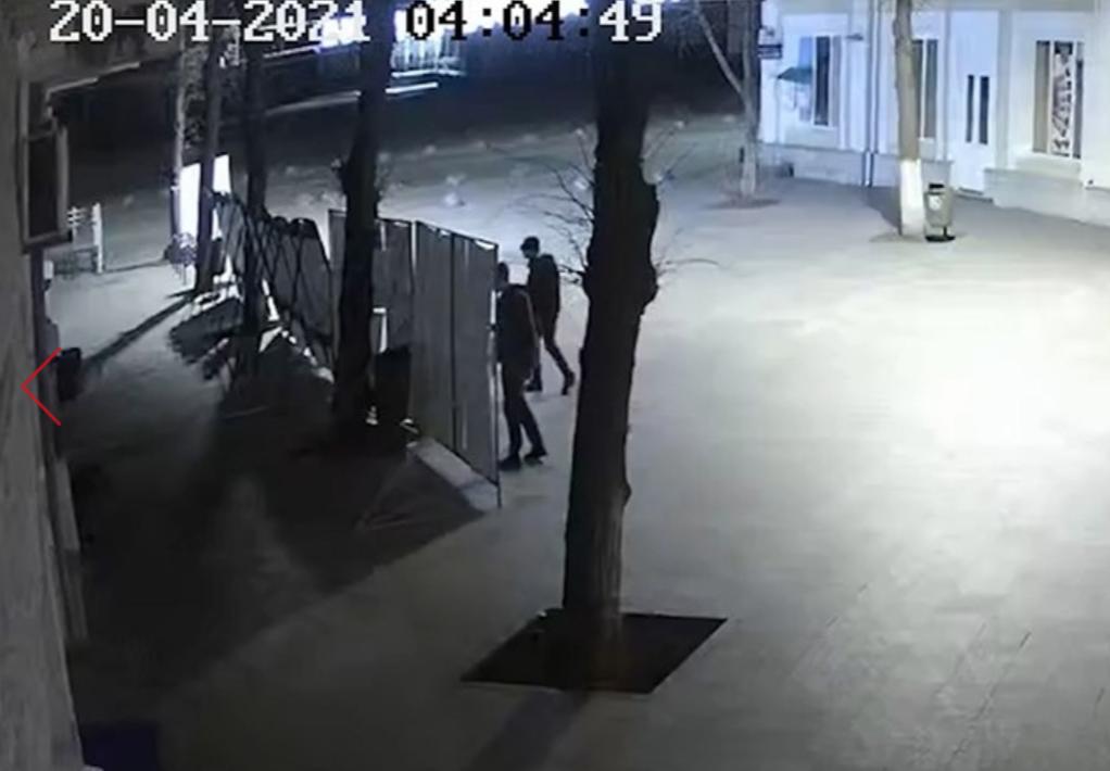Злоумышленники в Житомире попали на камеры видеонаблюдения