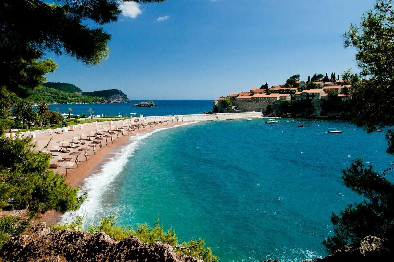 Бечічі вважається найкращим курортом для відпочинку з дітьми в Чорногорії.