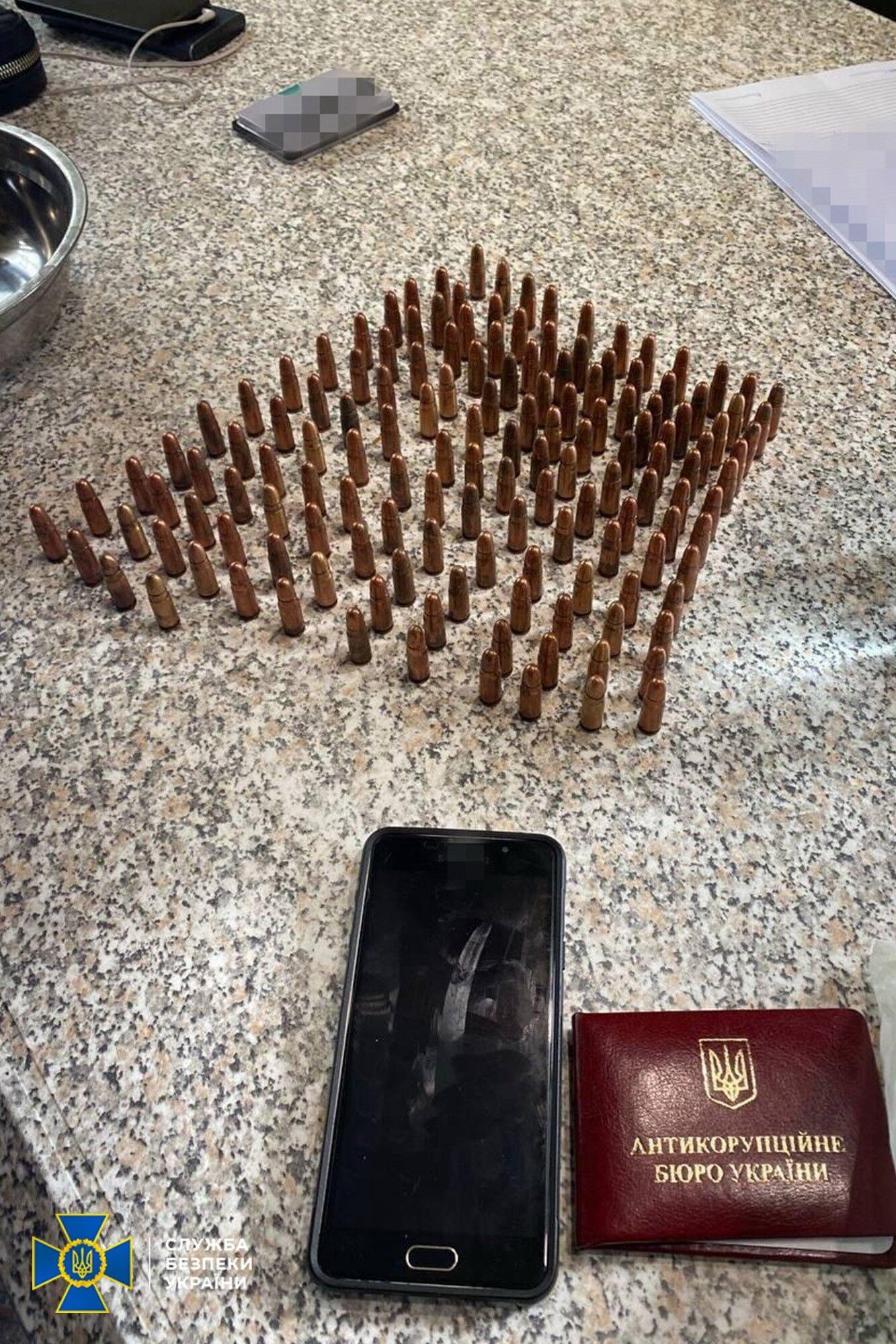 Найдено большое количество патронов различного калибра