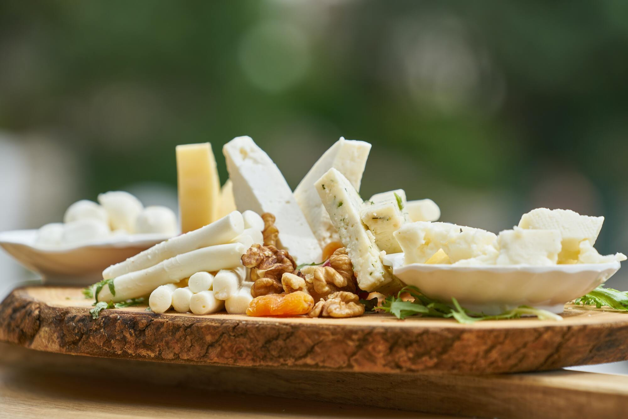 Сьогодні в Грузії виробляють 14 видів сиру, зокрема і сулугуні та гострий кобийский