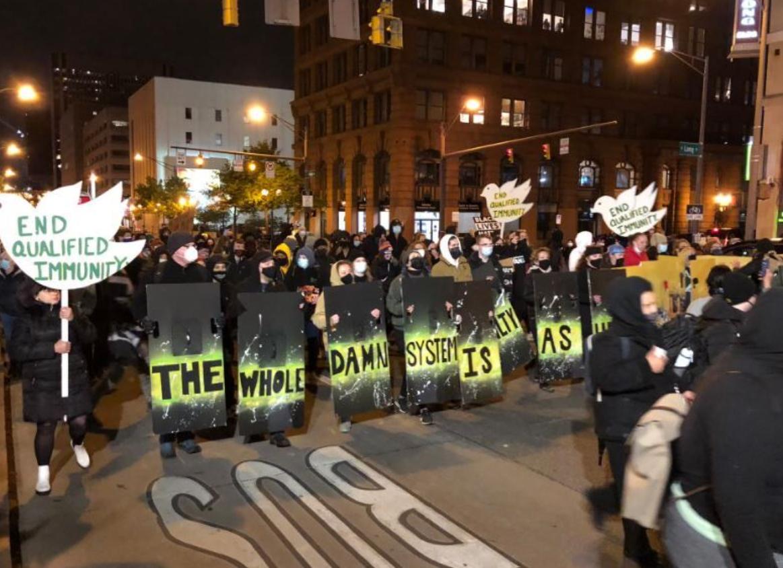 Мітинг у США через вбивство дівчини.