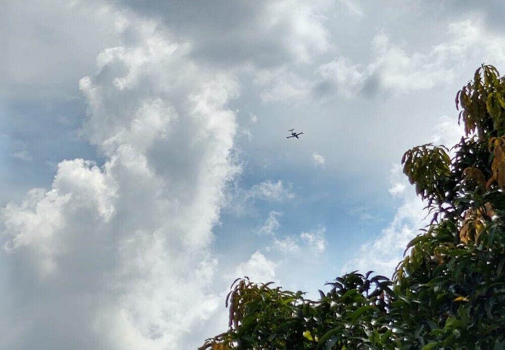 Самолет за несколько минут до происшествия.